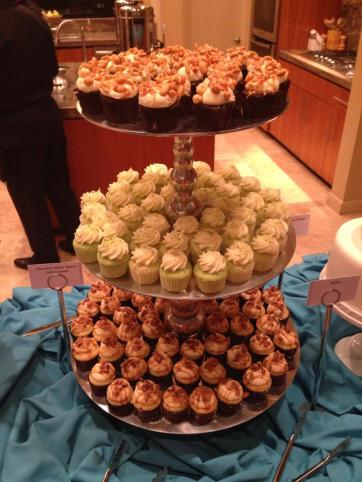 I had to enjoy some delicious cupcakes..I just made sure to use a little portion control so my tummy didn't hurt!